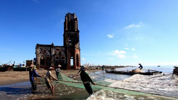 Về Nam Định, ngắm nhìn vẻ đẹp hoang sơ mà đầy bình yên của nhà thờ để quên đi mọi bon chen chốn thị thành