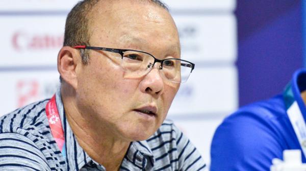 HLV Park không hài lòng với 2 cú penalty hỏng của Công Phượng