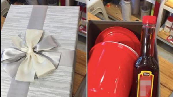 Góc sau chia tay: Chàng trai mua tặng người yêu cũ… cái xô và chai nước mắm, nát óc không hiểu ý nghĩa