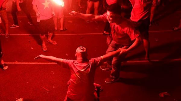 Hàng triệu người ăn mừng chiến thắng của tuyển Olympic Việt Nam