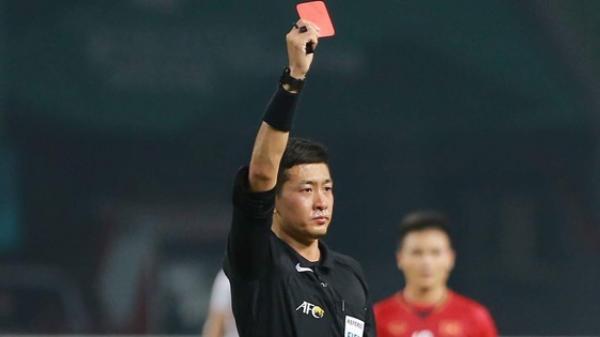 Bất ngờ danh tính trọng tài người Trung Quốc đẹp trai nhất trận Việt Nam - Bahrain tối qua