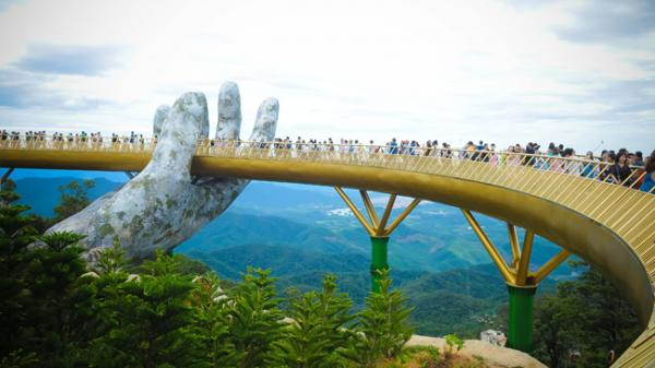 Mùng 2/9 này về ngay Đà Nẵng ngắm Cầu Vàng lọt top 100 điểm đến tuyệt vời nhất thế giới