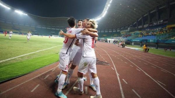 """Lọt top 4 đội mạnh nhất châu lục, cộng đồng mạng khắp thế giới đồng loạt chúc mừng """"niềm tự hào"""" Việt Nam"""