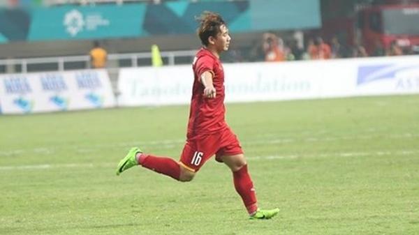 Lộ diện 'ông lớn' hào phóng THƯỞNG NÓNG 200 triệu tiền tươi cho cầu thủ  Minh Vương