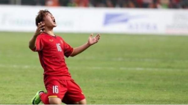 Niềm đam mê trái bóng tròn đến 'quên lối về' và nỗi đau không được về chịu tang cha của cầu thủ Minh Vương