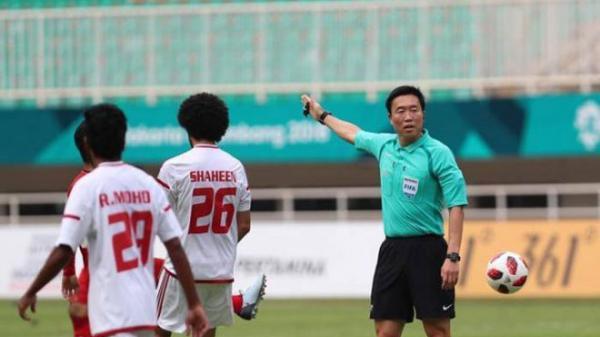 Sốc: Trọng tài người Hàn Quốc bắt trận U23 Việt Nam dính nghi án dàn xếp tỷ số và gái mại dâm