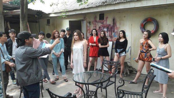 Chủ quán karaoke từ chối đoàn phim 'Quỳnh búp bê' vì sợ mang tiếng