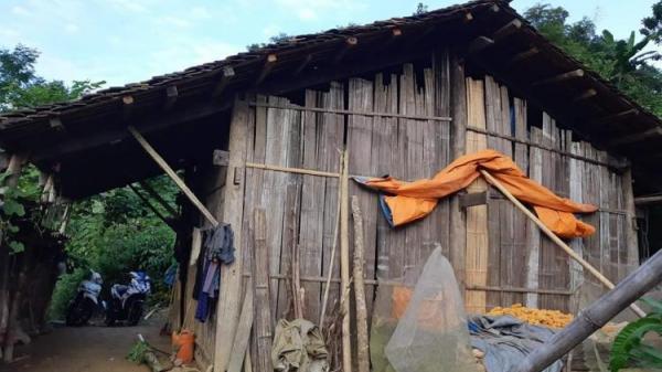 Xót thương: Ngôi nhà xơ xác ở quê của bác sĩ bóp cổ vợ đến chết rồi ném xác phi tang