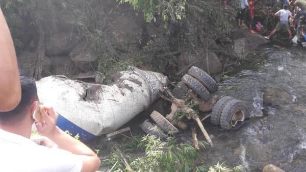 Nguyên nhân bất ngờ vụ tai nạn thảm khốc xe bồn lao thẳng vào xe khách khiến ít nhất 14 người thương vong
