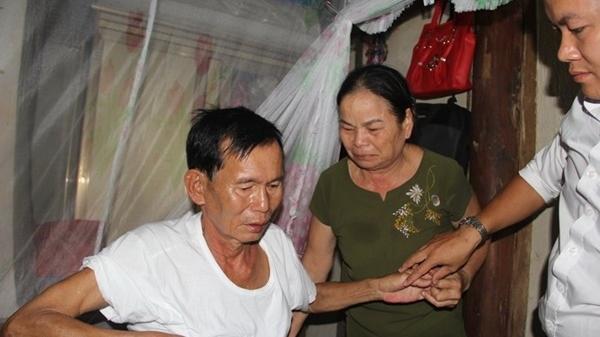 Liệt sĩ trở về sau 30 năm BÁO TỬ, vợ ôm ảnh thờ khóc ngất vì chồng chẳng nhớ ra ai