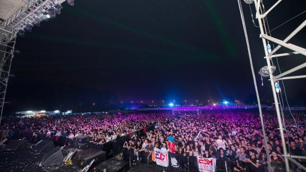 RÚNG ĐỘNG: 7 người tử vong, nhiều người nhập viện do sốc thuốc tại lễ hội âm nhạc EDM