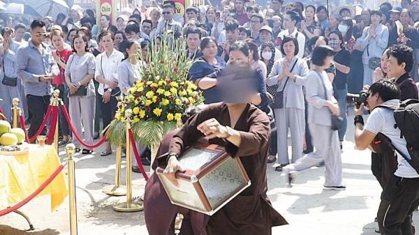 Nam thanh niên biến mất cùng hòm công đức ở chùa Thiên Ân