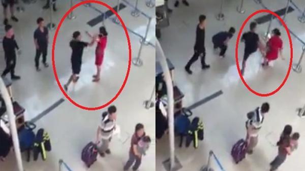 Nữ nhân viên hàng không bị nhóm côn đồ tát, đạp ngã ngay tại sân bay