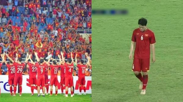 Khi cả đội U23 Việt Nam cùng nhau ăn mừng chiến thắng, có một người rời sân trong lặng lẽ