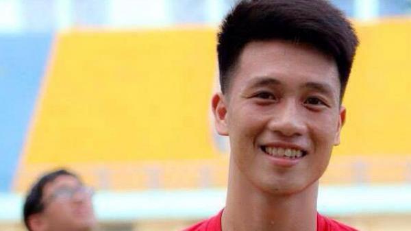 """Tất tần tật về cầu thủ Nguyễn Huy Hùng - """"vũ khí bí mật"""" của thầy Park, người ghi bàn thắng mở tỉ số cho Việt Nam"""