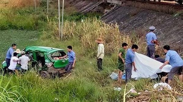 Cận cảnh vụ tàu hỏa đ.âm trực diện taxi Mai Linh khiến 5 người th.ương v.ong
