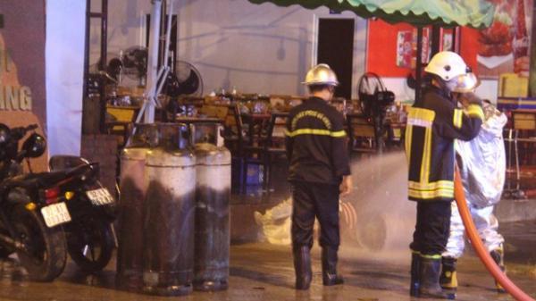 Nổ bình gas trong quán nhậu, hàng chục người tháo chạy tán loạn