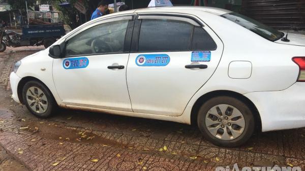 Đắk Nông: Taxi 27-7 không có phù hiệu vẫn chạy ngang dọc