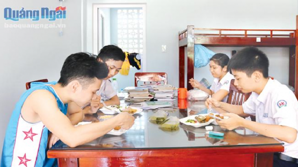 Chính sách hỗ trợ đối với học sinh trường chuyên THPT Lê Khiết