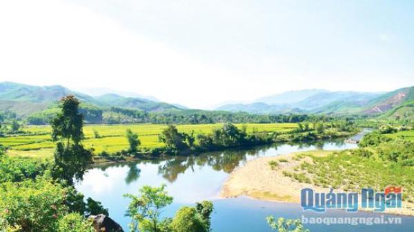 Đất và người Quảng Ngãi: Về Ba Tơ ngắm vẻ đẹp sông Liên