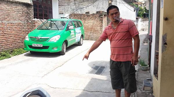 """Vụ bé gái mất tích bí ẩn ở Hà Nội: """"Đã 9 tháng 10 ngày, tôi sẽ bán nhà để tiếp tục đi tìm con"""""""