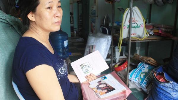 Nhận bằng kiến trúc sư danh dự thay con đã mất, người mẹ quê Quảng Ngãi nghẹn ngào trong nỗi đau