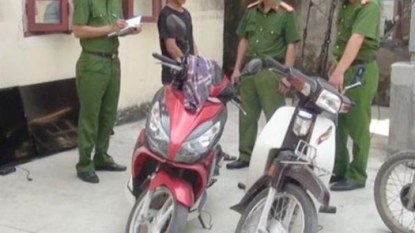 Bắt đối tượng đi xe máy gắn biển giả từ Ninh Bình sang Thanh Hóa trộm cắp tài sản