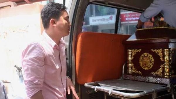 Người tặng 'chuyến xe an nghỉ' cho những đứa trẻ về quê