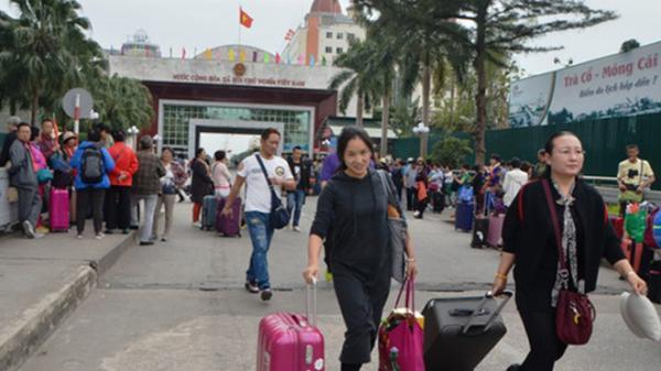 Quảng Ninh: Siết chặt quản lý các cửa hàng phục vụ khách Trung Quốc 'tour 0 đồng'