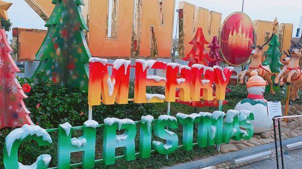 Đâu cần đi xa, Check – in thả gió Noel ngay trên đường phố Hạ Long thôi nào