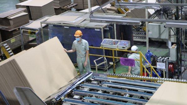"""Hơn nửa tháng """"ăn, ngủ, làm việc tại nhà máy"""", doanh nghiệp và công nhân Bắc Ninh chia sẻ gì?"""