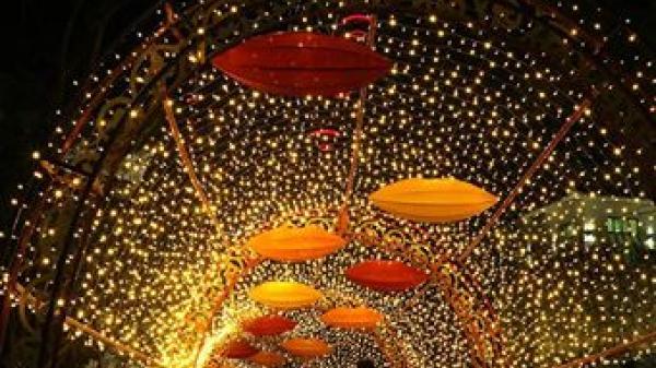 Cưa đổ trái tim rung rinh của nàng ở lễ hội ánh sáng khủng  có 1 – 0 – 2 tại Quảng Ninh dip Giáng sinh này