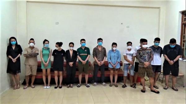 Thánh chửi Dương Minh Tuyền bị bắt quả tang khi bay lắc ở quán karaoke giữa mùa dịch