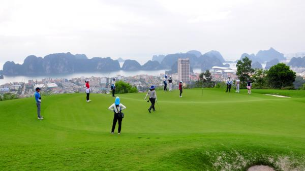 Quảng Ninh: Số lượng golf thủ tranh tài đạt trên 200 golf thủ