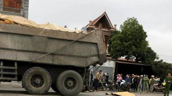 Va chạm với xe tải nghiêm trọng, người đàn ông chết thảm tại chỗ
