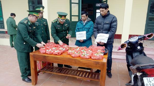 Quảng Ninh: Bắt 2 đối tượng vận chuyển hơn 10 kg pháo nổ