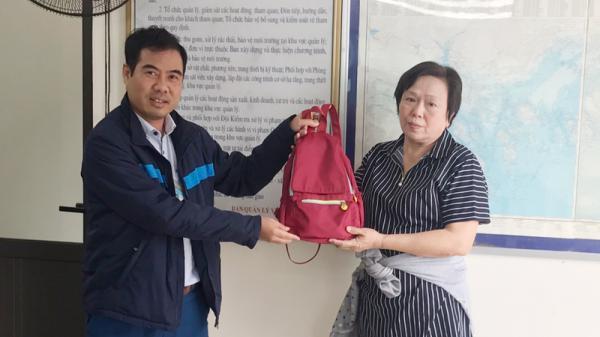 Quảng Ninh: Trả lại tài sản du khách nước ngoài bỏ quên tại động Thiên Cung