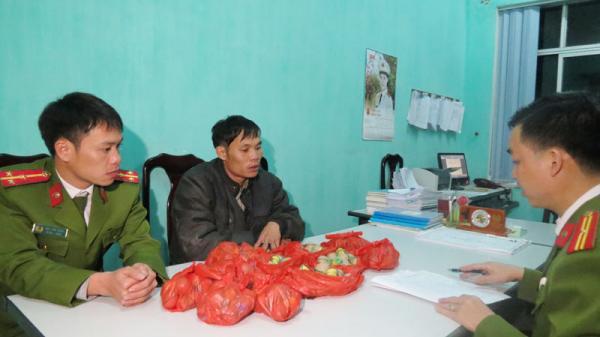 Quảng Ninh: Bắt giữ đối tượng vận chuyển 120 quả pháo trứng trước giao thừa