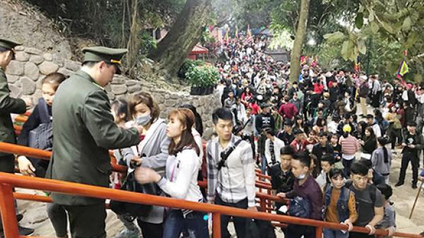 Người dân cùng giám sát tái sử dụng phí tham quan Yên Tử