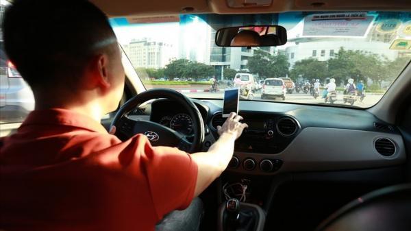 Nước mắt lái xe Uber, lời cảnh tỉnh cho cuộc chơi thời công nghệ