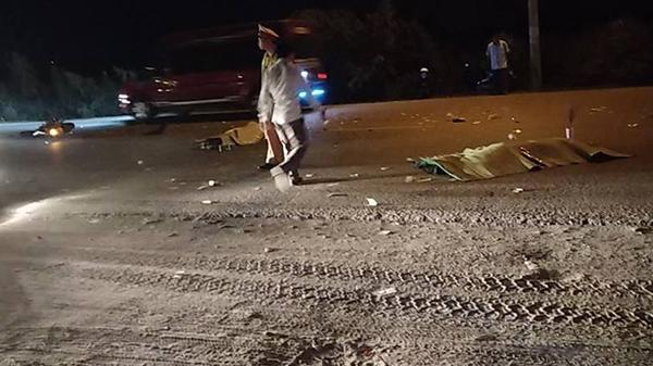 Quảng Ninh: Chạy tốc độ cao, xe máy tông trực diện ô tô khiến 2 người tử vong