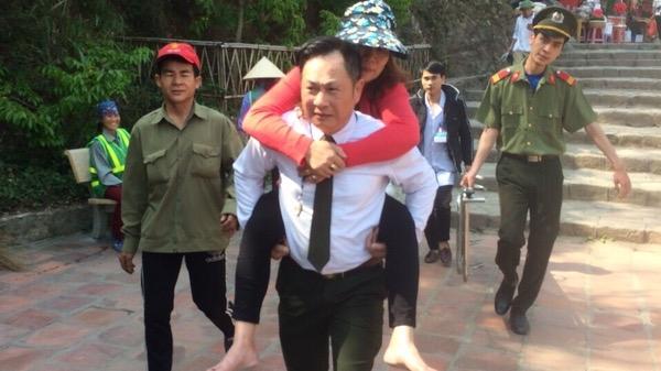 Quảng Ninh: Một người phụ nữ bị trượt chân ngã trên đỉnh thiêng Yên Tử