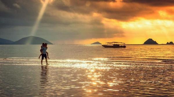 Quảng Ninh không chỉ có Vịnh Hạ Long, đảo nhỏ xinh đẹp này cũng cho cảm xúc mùa hè 'mê đắm' không muốn rời xa