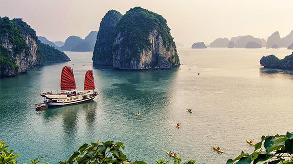 Hạ Long – Điểm du lịch hấp dẫn nhất 'Vịnh Bắc Bộ' kỳ nghỉ lễ 30/4 này