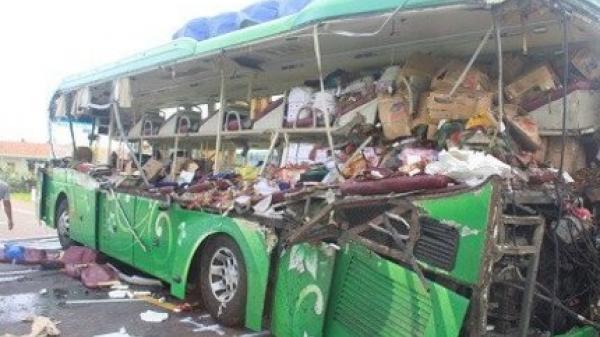Clip vụ tai nạn thảm khốc làm 5 người chết, 6 người bị thương