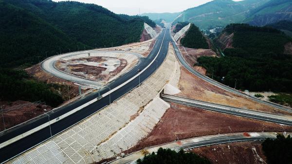 Sắp xây dựng cao tốc hoành tráng Vân Đồn - Móng Cái