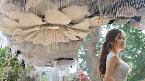 Hé lộ danh tính và ngoại hình xinh đẹp của cô dâu trong đám cưới chỉ riêng rạp đã ngốn 2,5 tỷ