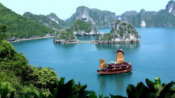 7 địa điểm du lịch Quảng Ninh không thể bỏ qua!