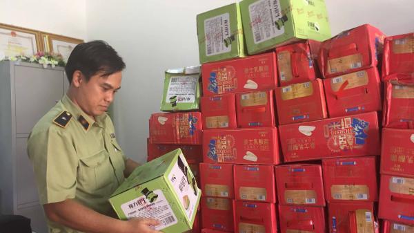 Gia Lai: Bắt quả tang đối tượng vận chuyển 198 thùng bánh lạ có xuất xứ từ Trung Quốc