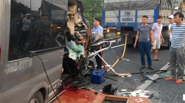 H.iện tr.ường đầy ám ảnh vụ xe Limousine gặp nạn trên cao tốc làm 1  bác sĩ và 1 cảnh sát cơ động t.ử v.ong